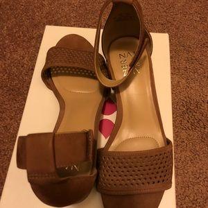 Naturalizer Block Sandals